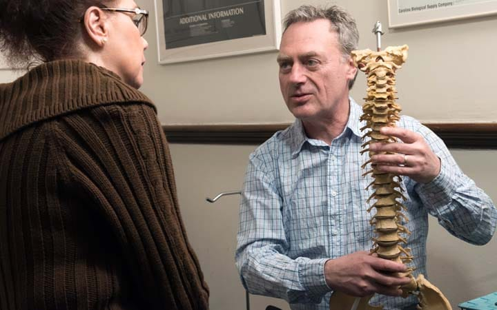 herniated discs chiropractic consultation - better health chiropractic
